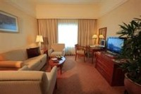 Evergreen Laurel Hotel Room