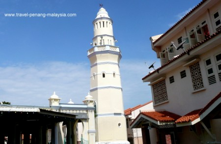 photo of the Acheen Street Mosque in Georgetown Penang