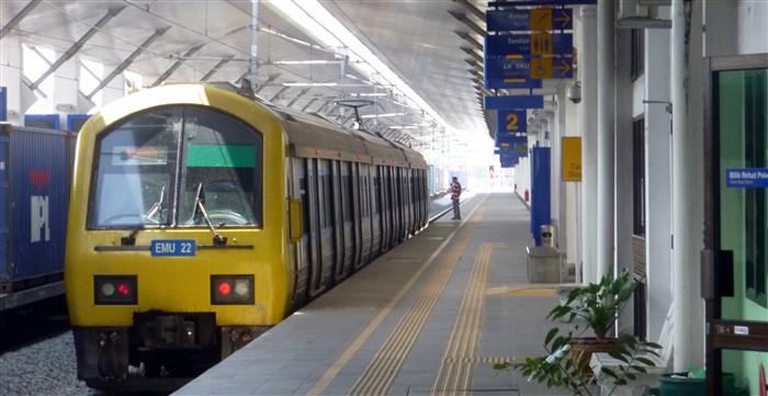 train at Padang Besar station