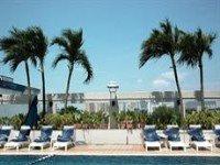 Traders Hotel Pool