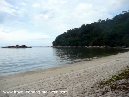 Photo of the beach at Teluk Kampi
